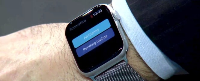 Add notes and view your dashboard through the Acumatica app on your Apple watch.